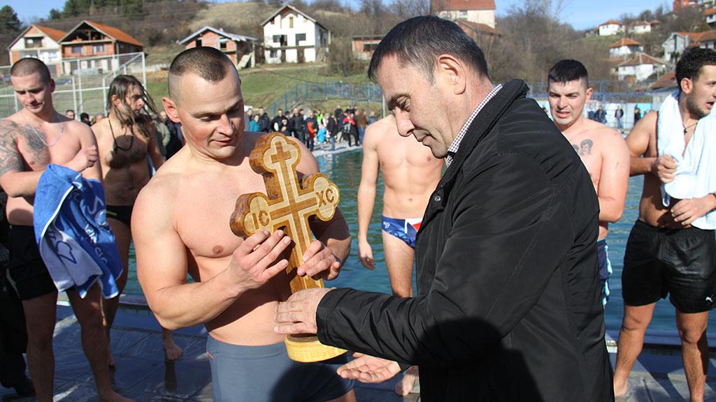 Срђан Ранђеловић победник пливања за часни крст у Куршумлији