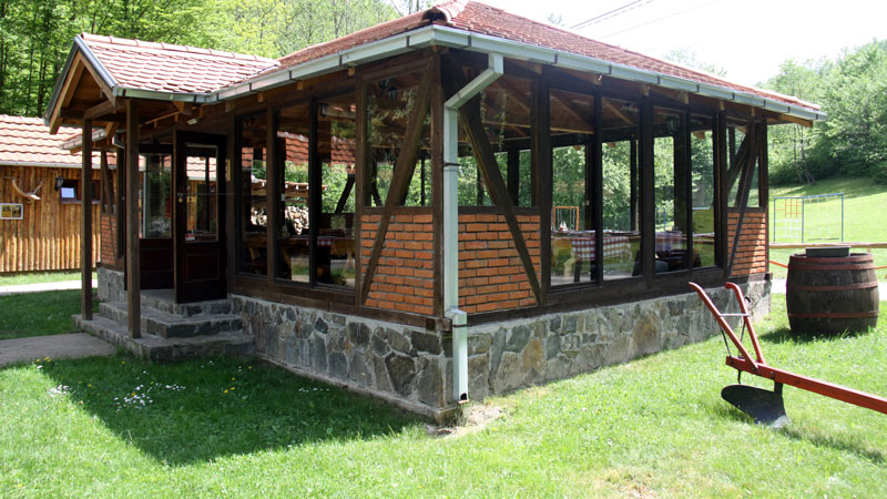 lukovske-kolibe-800x450-04
